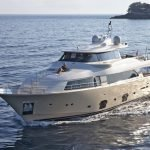 la-pausa-yacht-charter-pic_002