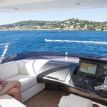 minx-yacht-charter-pic_008