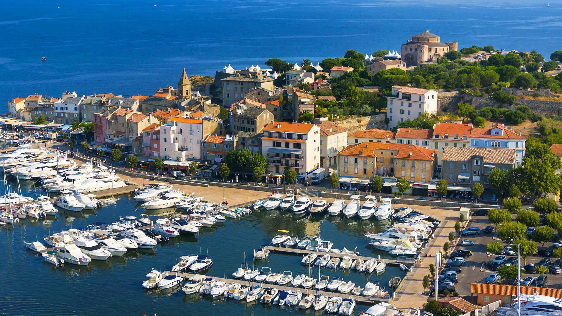 Сен-Флоран: Между заливом и крепостью