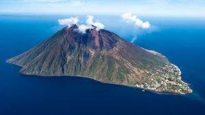 Стромболи: Магия Липарийских островов