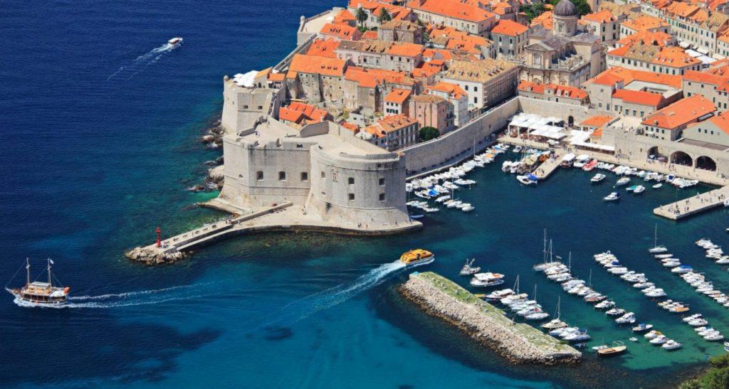 Чартер яхт в Хорватии: Путешествие на загадочную землю