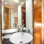 octavia-sunseeker-luxury-yacht-charter-0012