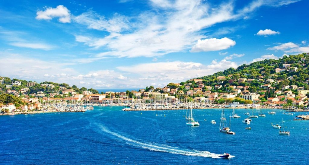 THE FRENCH RIVIERA ON A LUXURY CHARTER