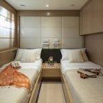 rini-V-yacht-pic_037