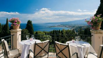 Live la Dolce Vita in Sicily on a yacht