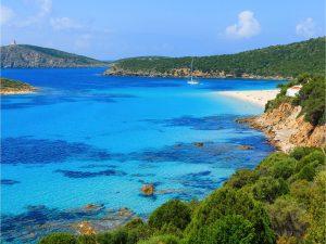 Le 5 Baie da sogno in Sardegna da raggiungere solo in yacht
