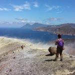Trekking alle Eolie, fascino e mistero della terra dei vulcani