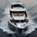 2-ladies-yacht-pic_002