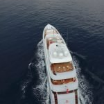 2-ladies-yacht-pic_003