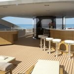2-ladies-yacht-pic_006