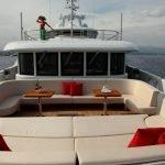 2-ladies-yacht-pic_010