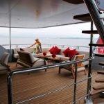 2-ladies-yacht-pic_012