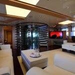 2-ladies-yacht-pic_013