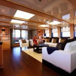 2-ladies-yacht-pic_016