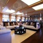 2-ladies-yacht-pic_018
