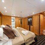 milos-at-sea-yacht-pic_010