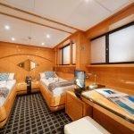 milos-at-sea-yacht-pic_012