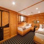 milos-at-sea-yacht-pic_014