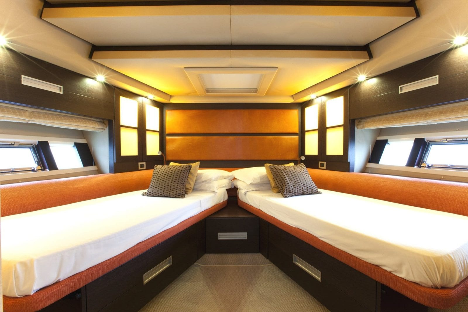 Eclipse Azimut 62s Luxury Yacht Charter Ssy