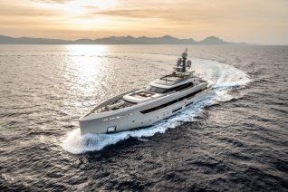 Yacht Of The Month – Meet Luxury Superyacht VERTIGE
