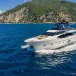 lucky-yacht-charter-06