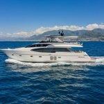 lucky-yacht-charter-09