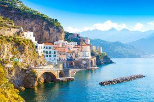 Discover The Amalfi Coast On The Stunning LUCKY Yacht