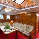 Puritan-Yacht-06