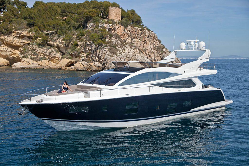 Shinju Yacht For Charter