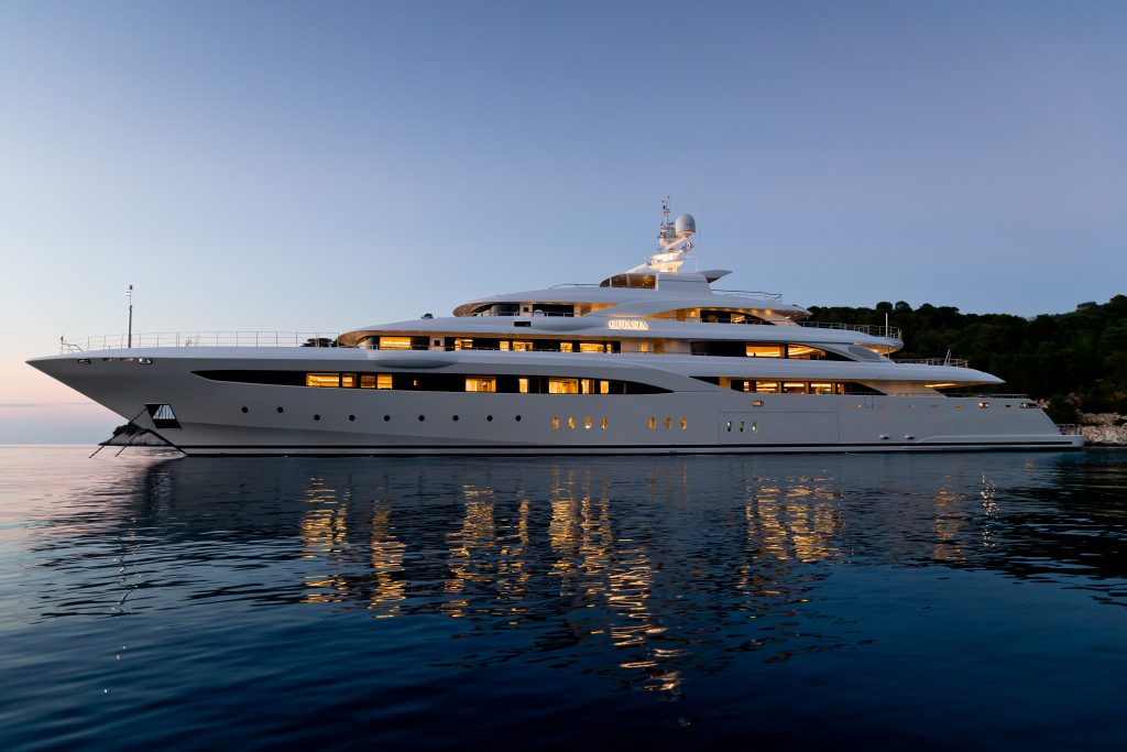 O'Pstasia Motor Yacht For Charter In Greece
